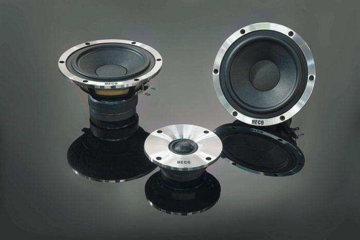 Aufwändig: Sowohl Tiefmittel- als auch Hochtöner des Aleva GT-Sets werden von einem Doppelmagneten angetrieben.