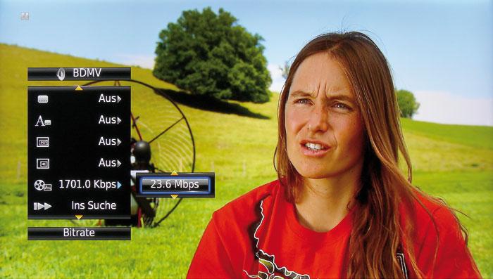 """Mit dem """"On Screen""""-Infomenü kann man sich die Bitraten des Audio- und Videosignals anzeigen lassen."""