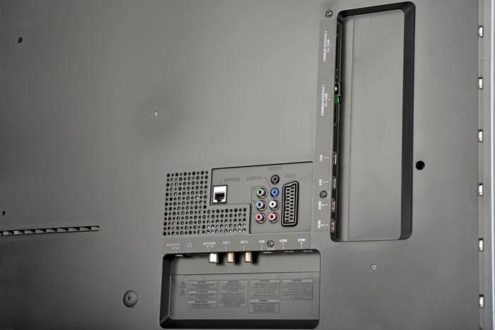 Doppelt hält besser: Neben dem Twin-Tuner bietet der PUS 9809 einen zweiten CI+ Slot. So können TV-Sender gleichzeitig wiedergegeben und aufgenommen werden.