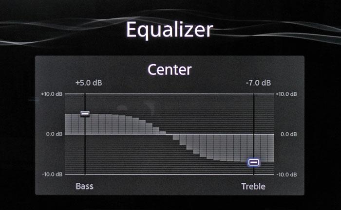 Die Klangregelung umfasst Bass- und Höhenregler, die sich separat je Boxengruppe einstellen lassen.