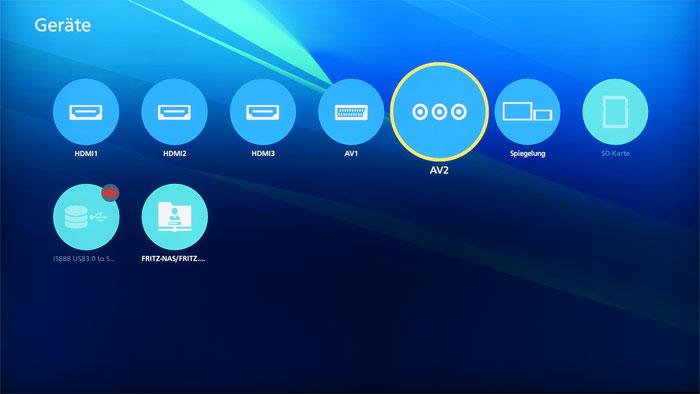 Runde Sache: Die bunten Icons finden sich überall auf der Benutzeroberfläche – vom Smart-TV-Portal über den Startbildschirm bis hin zur Geräte- bzw. Quellenübersicht.
