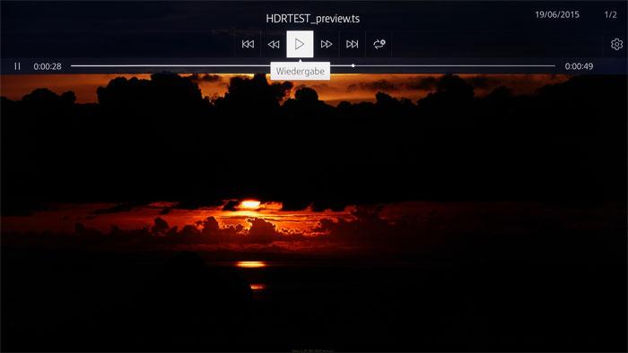 Lebensechter Sonnenuntergang: Dank der HDR-kompatiblen Software zeigt Samsungs Mediaplayer in dieser Szene satte Kontraste und intensive Rottöne.