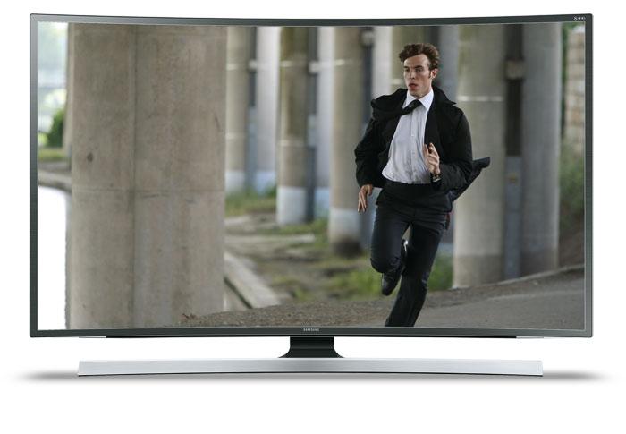 4.600 Euro: Ein kleiner SUHD-Schriftzug in der Ecke rechts oben entlarvt den Samsung UE 65 JS 8590 als Fernseher der Spitzenklasse; optisch unterscheidet er sich kaum von den günstigeren Modellen. Ihn gibt es auch als 48- und 55-Zöller.