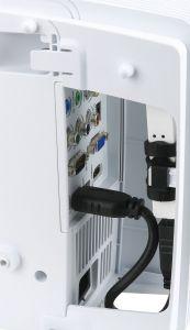 Drahtlos auf Empfang: Der separat erhältliche WLAN-Dongle MWA 3 steckt gummigelagert in der seitlichen Kabelabdeckung des Projektors.