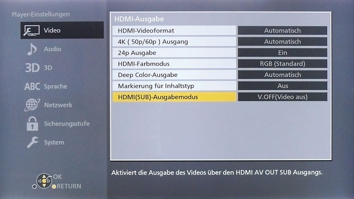 """Im HDMI-Ausgabe-Menü legt man fest, ob an beiden Ausgängen Bild und Ton anliegen sollen, respektive in Stellung """"V.OFF (Video aus)"""" Video- und Audiosignal getrennt übertragen werden."""