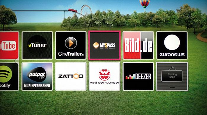 Die Internet-Apps werden in Form übersichtlicher Kacheln angeordnet. Nicht im Bild zu sehen sind die Online-Videotheken Maxdome und Netflix.