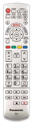 Einzelgänger: Anders als bei den teureren Modellen steht der Fernbedienung des TX-55 CXW 704 kein Touchpad-Controller zur Seite. Die Tastenbeleuchtung fehlt ebenfalls.