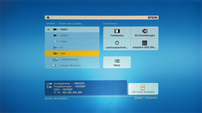 Modern und vielseitig: Über die Home-Taste verzweigt der Epson EH-TW 5350 zu allen Bildquellen inklusive USB-Fotos oder WLAN. Auch das Spiegeln der AV-Inhalte des Smartphones ist möglich.