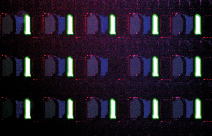 Schattenseiten der OLED-Technik: Wie seine Brüder hat auch der 55 EG 9209 mit Subpixel-Fehlern (defekte Bildpunkte) sowie Einbrenneffekten zu kämpfen.
