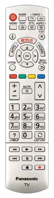 Althergebracht: Panasonic legt dem TX-58 DXW 784 eine klassische Fernbedienung ohne besondere Funktionen bei. Beim Cursorfeld geht es recht eng zu.