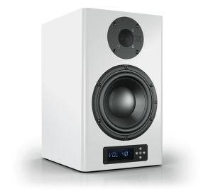 Für Sound-Profis: Nuberts größter Aktivlautsprecher ist in weißer und schwarzer Schleiflack-Ausführung inklusive Magnet-Stoffblende erhältlich.
