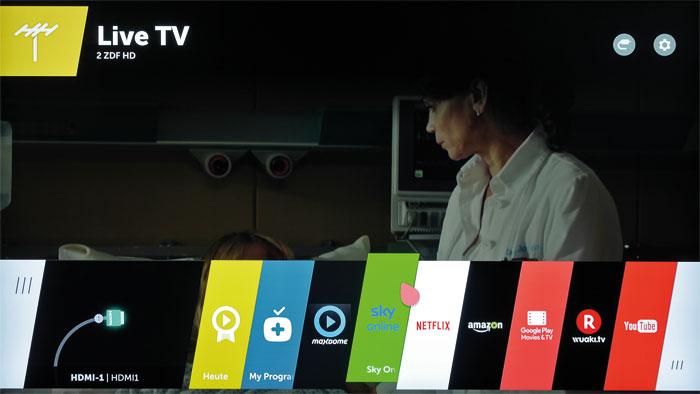 Neue Farben: LG erweitert die webOS-Taskleiste regelmäßig um zusätzliche Apps. Das Betriebssystem besticht durch Übersichtlichkeit sowie Multitasking-Fähigkeiten.