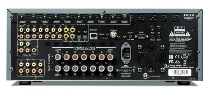 Wie sein großer Bruder fasziniert der Arcam AVR550 mit Top-Klang und einer professionellen Einmess-Automatik. Dank 4K-Kompatibilität und 3D-Sound ist der Brite auch zukunftssicher, bei der Wireless-Ausstattung herrscht allerdings noch Nachholbedarf.