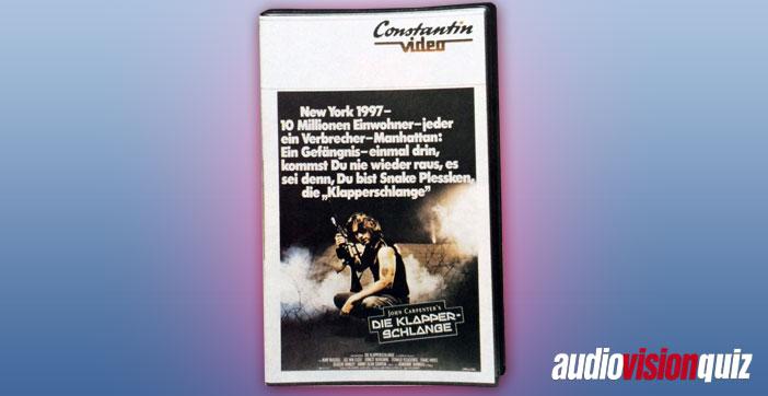 Ja, jetzt gibt es die UHD-Blu-ray… aber früher, da hatten die Menschen Videokassetten. VHS setzte sich durch, aber es gab auch Konkurrenz. Achtung, Fangfrage: welches ist KEIN Videoformat?