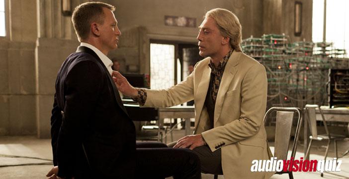 """Bond und Silva mögen sich in """"Skyfall"""" nicht sonderlich, privat verstanden sich Daniel Craig und Javier Bardem am Set hingegen prächtig – und sie eint die Liebe zu einer Sportart, die sie beide auch aktiv gespielt haben. Badem sogar bis zum spanischen Junior-Nationalspieler. Welche Sportart suchen wir?"""