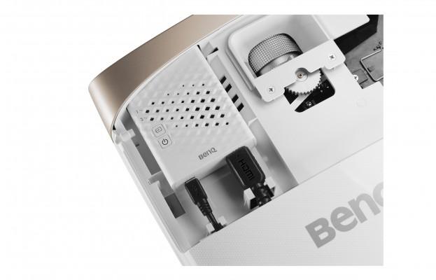 BenQ W2000W mit integriertem FHD-Wireless-Kit