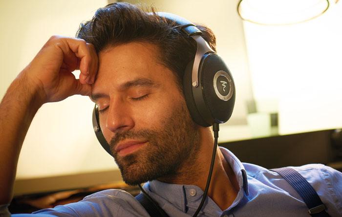 Der Trend geht zu hochwertigen Kopfhörern wie den Focal Elear.