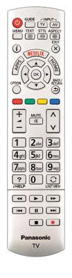 Kaum verändert: Panasonic hat die Fernbedienung in den letzten Jahren nur leicht modifiziert. Der zusätzliche Touchpad-Controller bleibt den teureren Modellen vorbehalten.