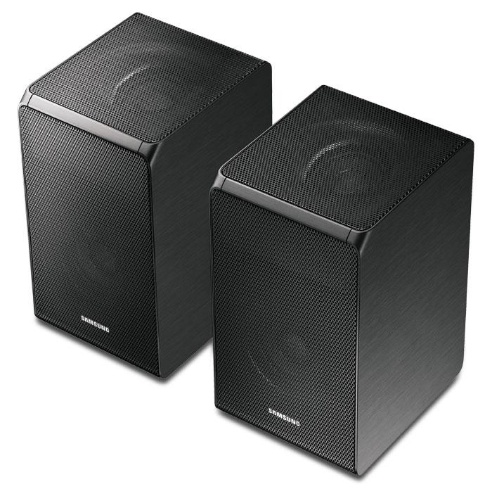 Die Rear-Boxen besitzen Top-Firing-Module, die ausgewählte Signale von Atmos-Tonspuren nach oben abstrahlen und damit Deckenboxen simulieren.