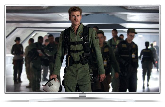 """1.800 Euro: Für diesen Preis bietet der LG 55 UH 7709 keine Top-Ausstattung, verfügt als """"Super UHD TV"""" aber über eine ordentliche Bildqualität und unterstützt Dolby Vision. Erhältlich ist die Modellreihe in 49, 55, 60 und 65 Zoll."""