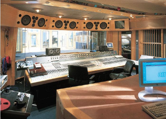Soundtuning: Der Prototyp des Receivers wurde umfangreichen Klangtests im Tonstudio unterzogen.