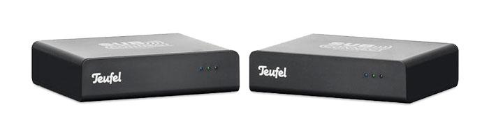 """Das """"Subwoofer Wireless Set"""" von Teufel wird an Receiver und Subwoofer angeschlossen und kommuniziert nach kurzem Pairing kabellos miteinander."""
