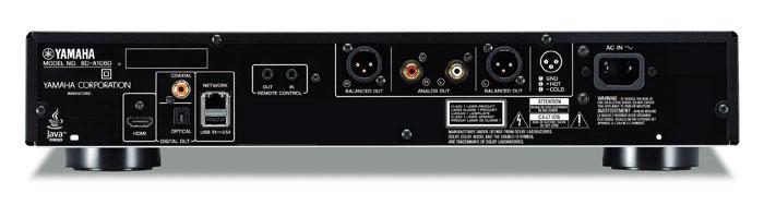 Gut bestückt: Als einer von wenigen Scheibendrehern verfügt der BD-A1060 über symmetrische XLR-Tonausgänge. Auch das Vorhandensein von Koax- und Toslink-Schnittstellen unterstreicht den audiophilen Anspruch. Lob verdient zudem das abnehmbare Netzkabel. Nur ein zweiter HDMI-Ausgang wäre wünschenswert.