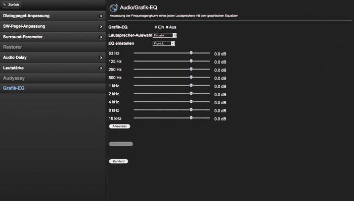 Der Denon lässt sich per Web-Browser einrichten (oben) und mit einer Smartphone-App (unten) steuern.