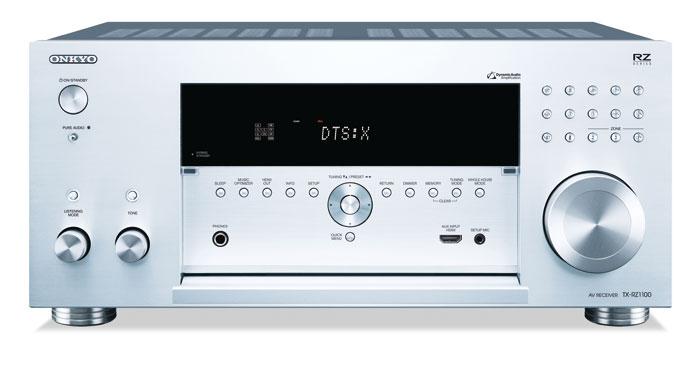 2.000 Euro: Selbst bei verschlossener Klappe sind beim Onkyo TX-RZ1100 über ein halbes Dutzend Tasten sichtbar, das unterscheidet ihn signifikant vom Erscheinungsbild des Pioneer SC-LX701 und dem Yamaha RX-A2060.