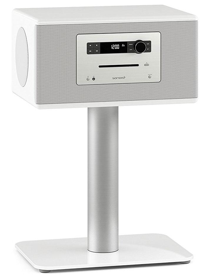Mit einem stattlichen Gewicht von 22 Kilo ist das 2.1-Soundsystem alles andere als leicht. Zu haben ist die Sonoro-Box in Schwarz und Weiß mit CD-Player, Digitalradio und Bluetooth-Unterstützung. Zusätzlich erwerben muss man den SonoroStand aus Aluminium mit Bodenplatte aus Echtglas.
