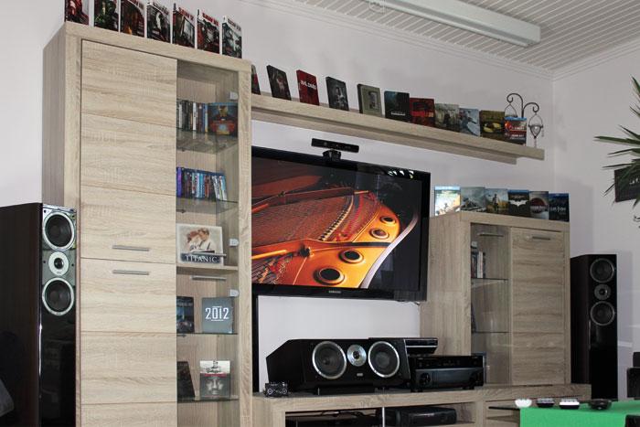 """Um bei uns mitmachen zu können brauchen Sie kein sündhaft teures Luxus-Kino mit 3-Meter-Leinwand. Eine """"normale"""" Wohnzimmer-Installation mit Flachbild-TV reicht für den Start allemal."""